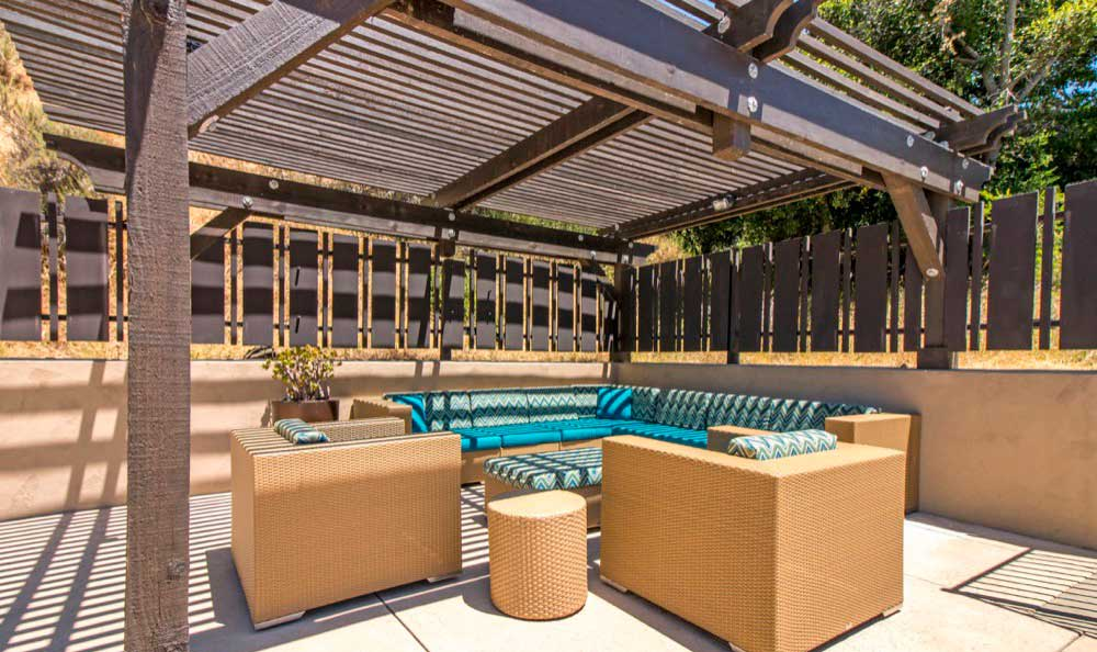 A bbq area that is great for entertaining at Sofi Belmont Hills in Belmont, CA