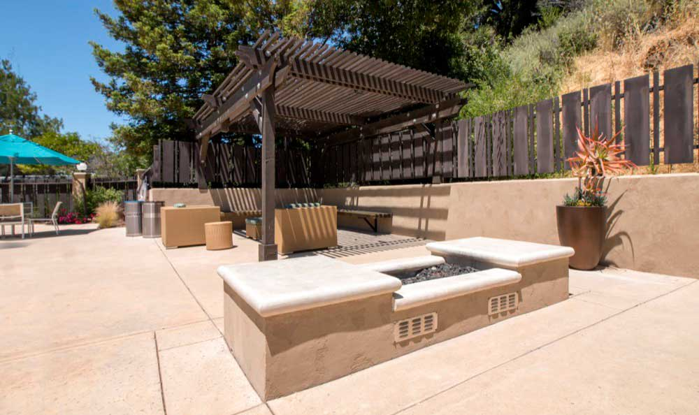 Beautiful bbq area at apartments in Belmont, CA