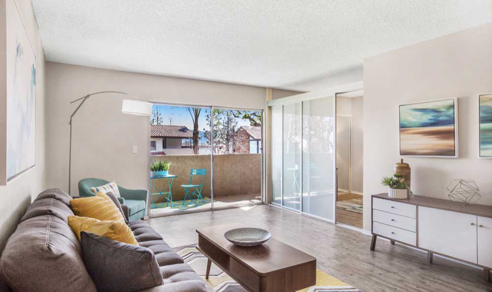 Modern living room at Sofi Thousand Oaks in Thousand Oaks, CA