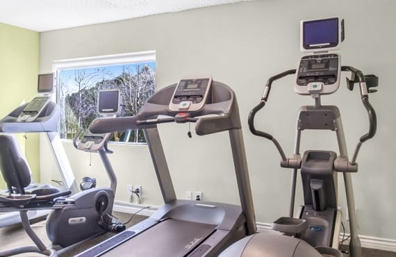 Beautiful fitness center at apartments in Thousand Oaks, CA