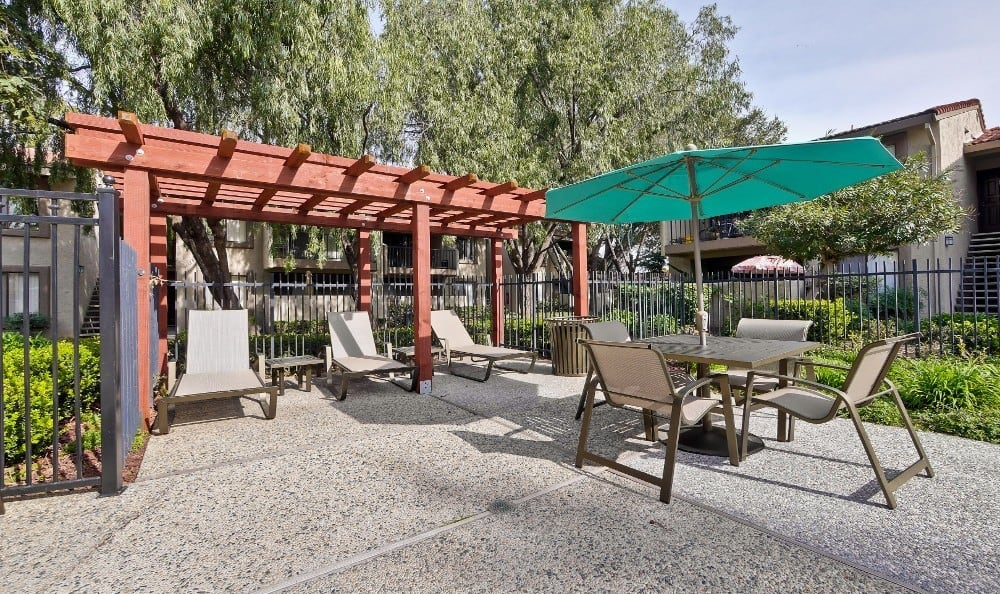 swimm pool patio at Terra Willow Glen in San Jose