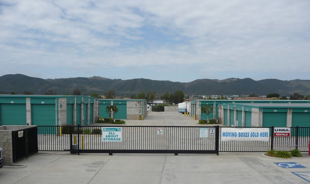Clean and safe Temecula, CA self storage.