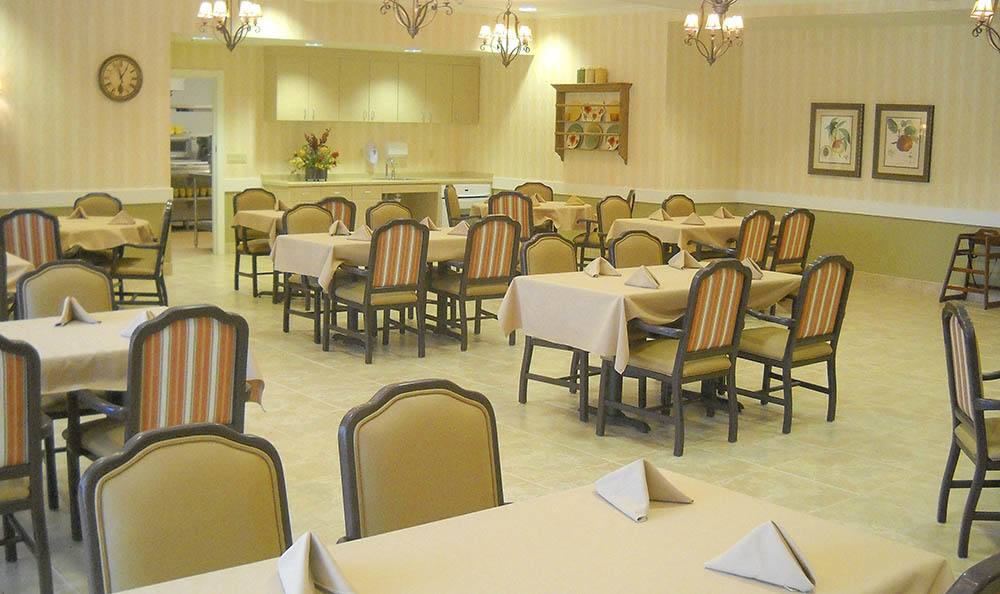 Dining Room at Caleo Bay Alzheimer's Special Care Center