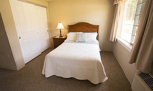 Comforting Amber Glen Alzheimer's Special Care Center Bedrooms