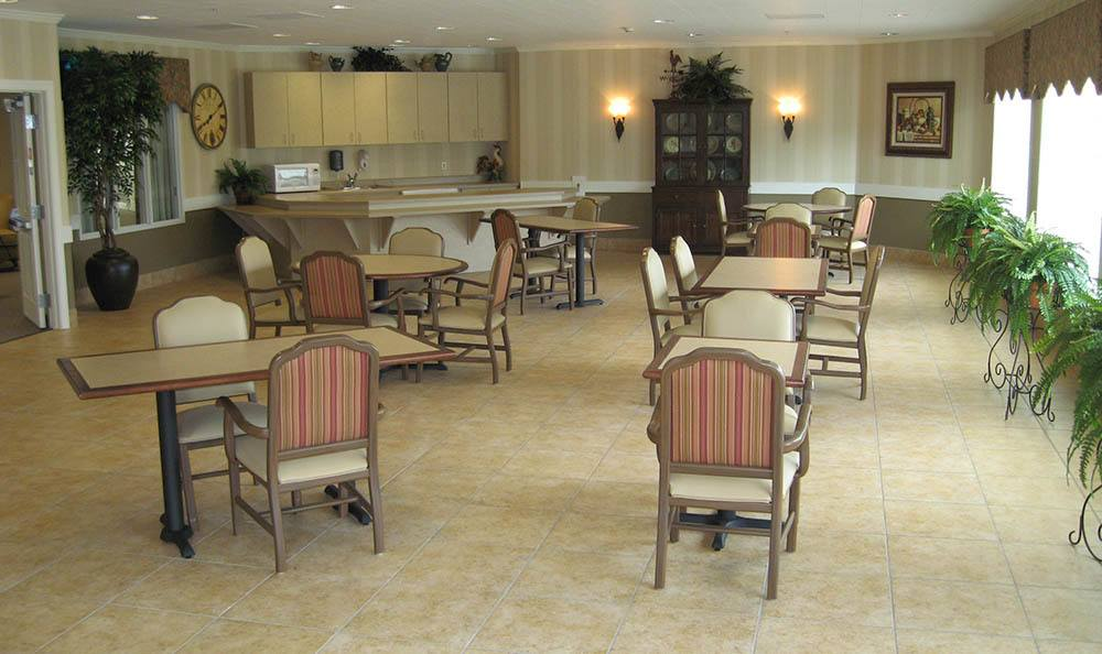 Dining in Katy at Cinco Ranch Alzheimer's Special Care Center