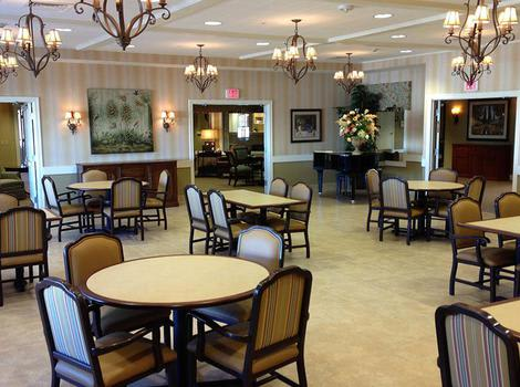 Dining at Copper Canyon Alzheimer's Special Care Center in Tucson