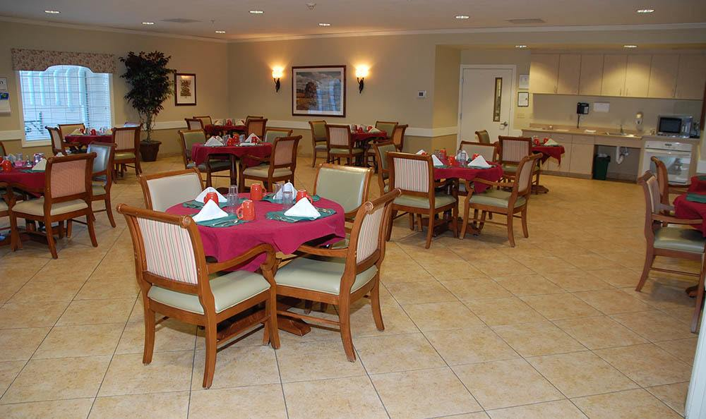 Dining Area at Glen Oaks Alzheimer's Special Care Center