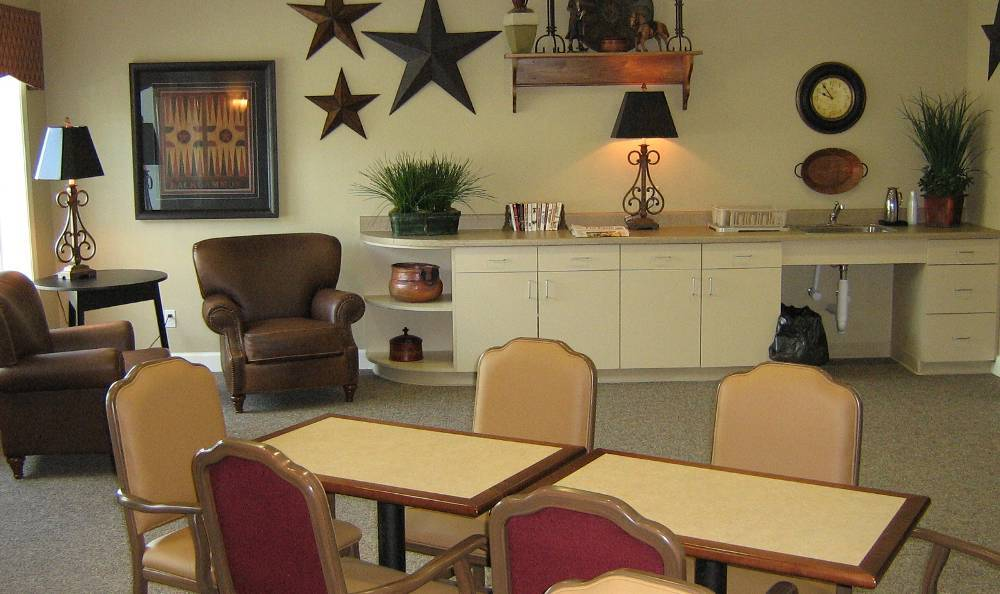 Lounge at Hudson Creek Alzheimer's Special Care Center