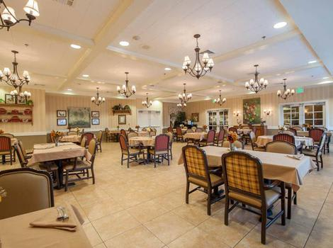 dining hall at Maple Wood Alzheimer's Special Care Center in Springfield, MO