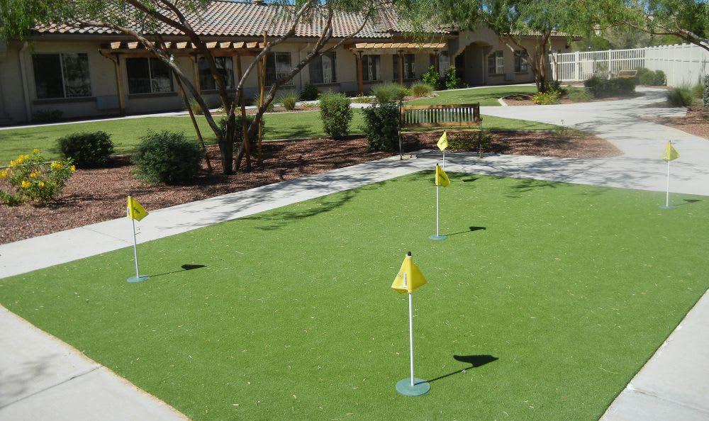 courtyard at Rock Creek Alzheimer's Special Care Center in Surprise, AZ