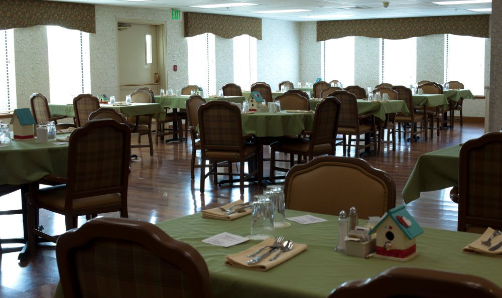Club House Dining Room at Royal Columbian Retirement Inn in Kennewick