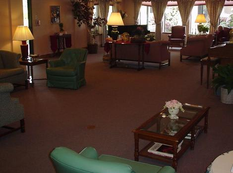 Club House Living Room at Royal Columbian Retirement Inn in Kennewick