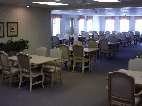 Dining Room at Royal Columbian Retirement Inn in Kennewick