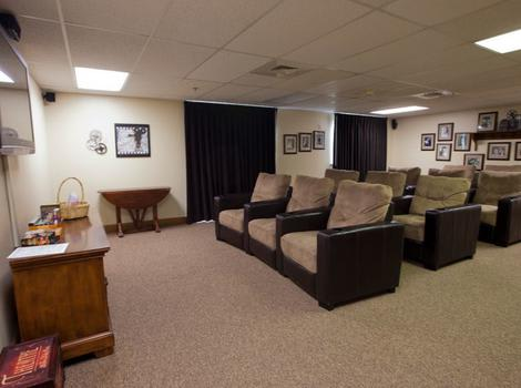Entertainment Room at Royal Columbian Retirement Inn in Kennewick