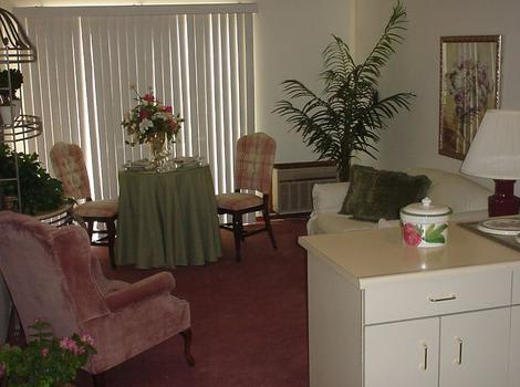 Model Room at Royal Columbian Retirement Inn in Kennewick