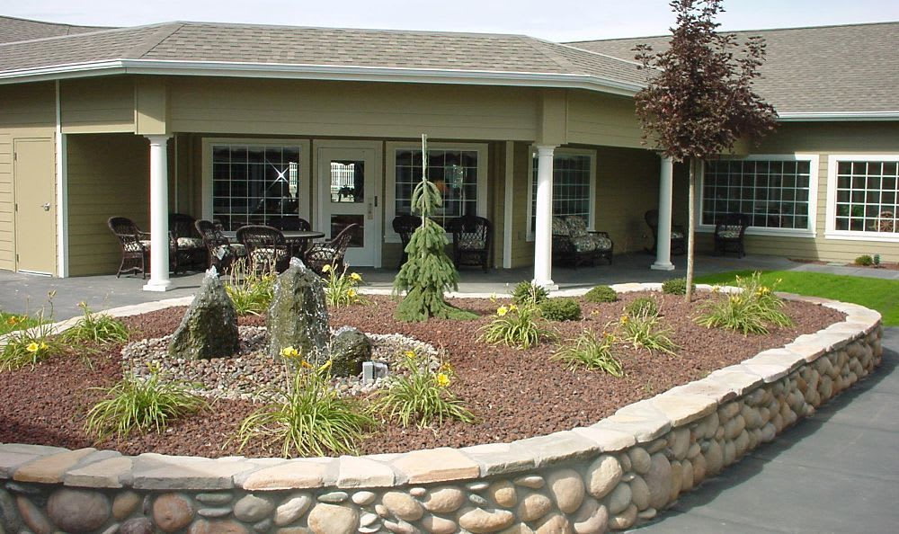 courtyard at Summer Wood Alzheimer's Special Care Center in Moses Lake, WA