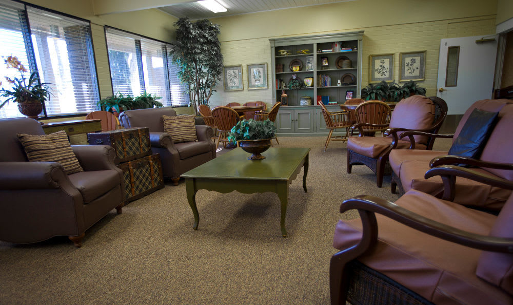 Club House Living Room at Tri-Cities Retirement Inn in Pasco