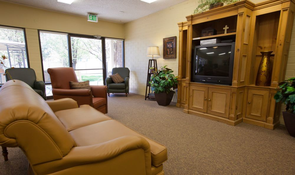TV Room at Tri-Cities Retirement Inn in Pasco