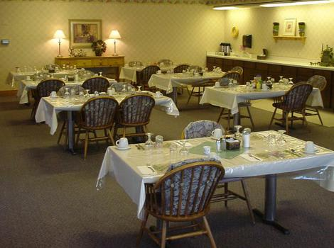 Dining Room at Tri-Cities Retirement Inn in Pasco