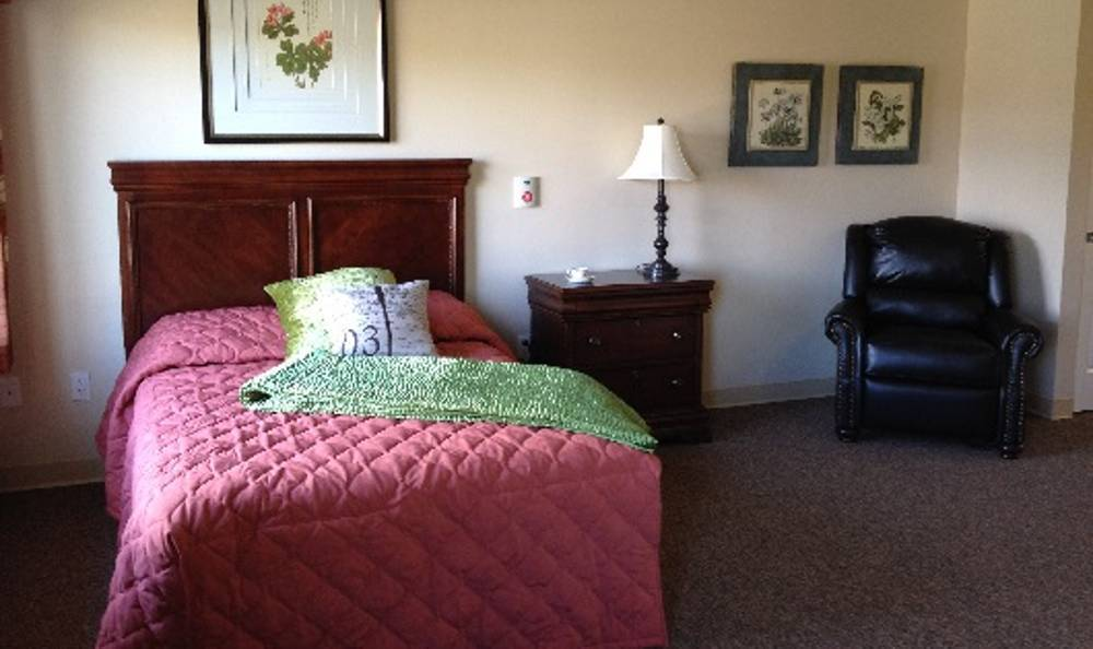 Feel at home in our community at Arbor Trace Alzheimer's Special Care Center