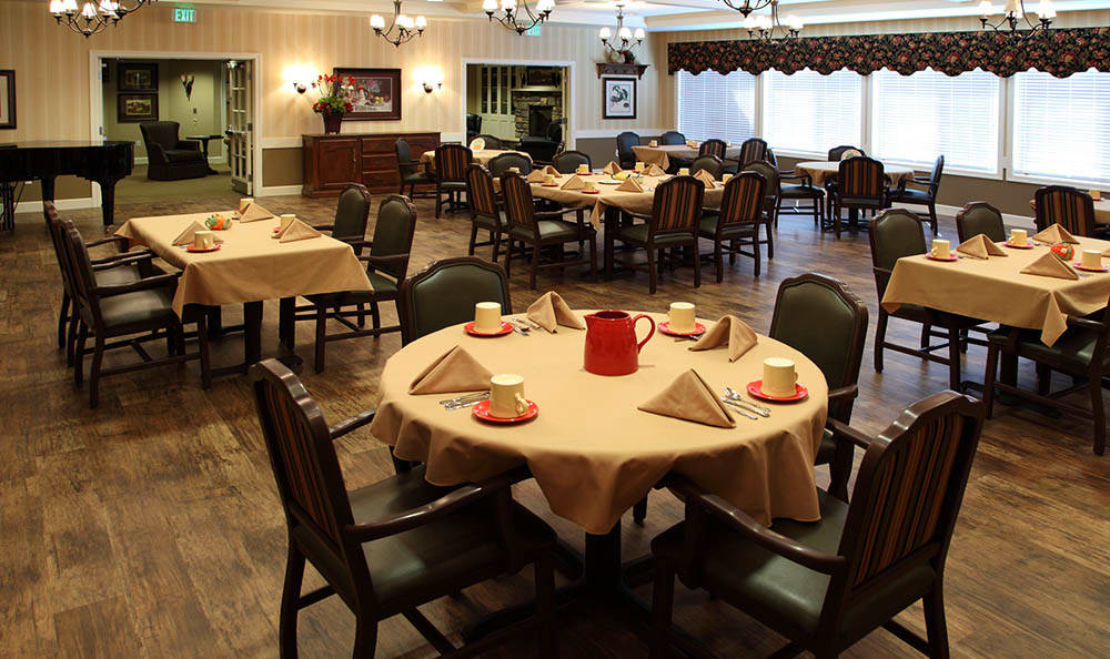 Dining Room At Glenwood Alzheimer's Special Care Center