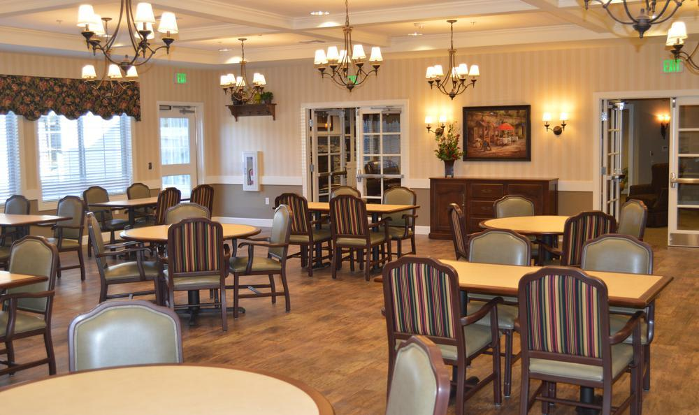 Dining Room at Colonial Gardens Alzheimer's Special Care Center in West Columbia