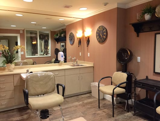Beauty Salon at Quail Ridge Alzheimer's Special Care Center in Bartlett, TN