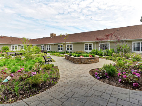 courtyard at The Springs of Vernon Hills Alzheimer's Special Care Center