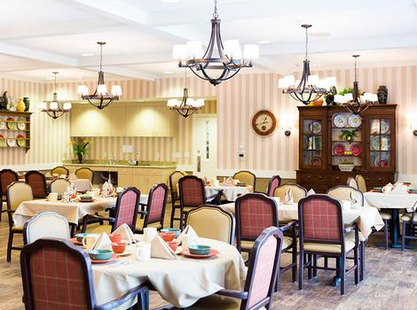 Pheasant Run Alzheimer's Special Care Center Dining Area