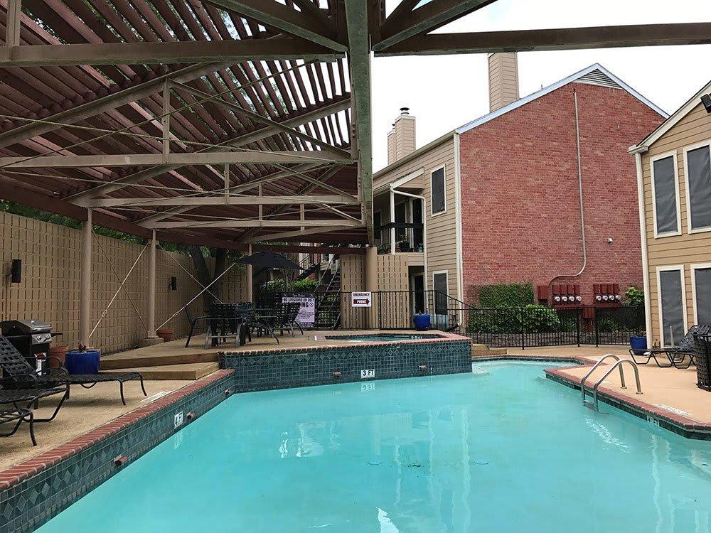 The swimming pool at Bridge at Sterling Springs