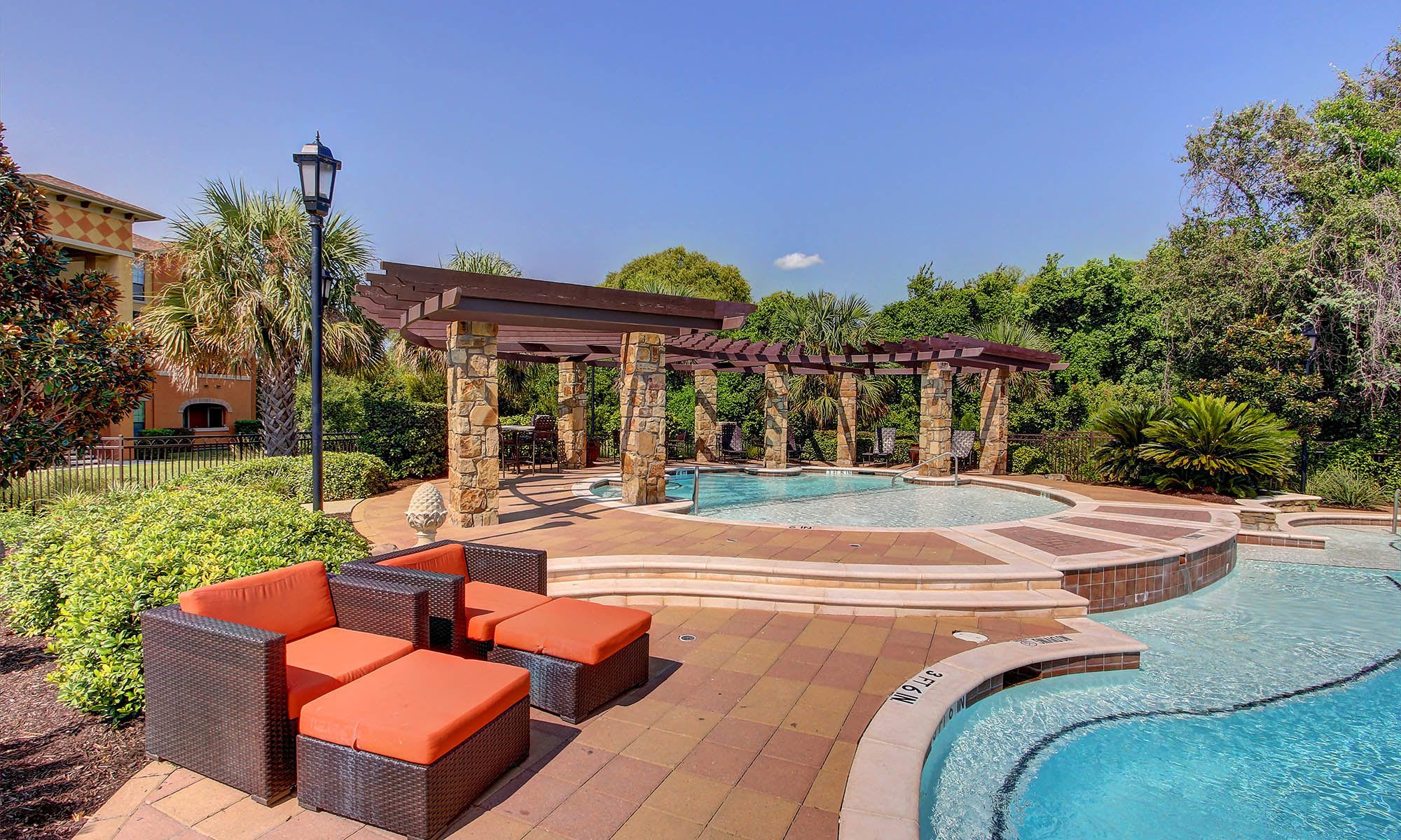 Austin Tx Apartments For Rent The Bridge At Center Ridge