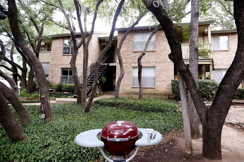 Courtyard at Bent Tree Apartments