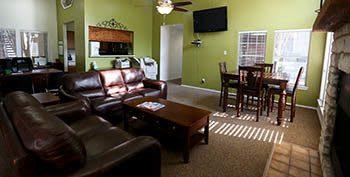 Apartment amenities at Bridge at Sterling Village