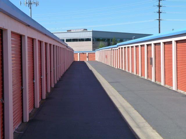 Outdoor units in Sacramento self storage facility