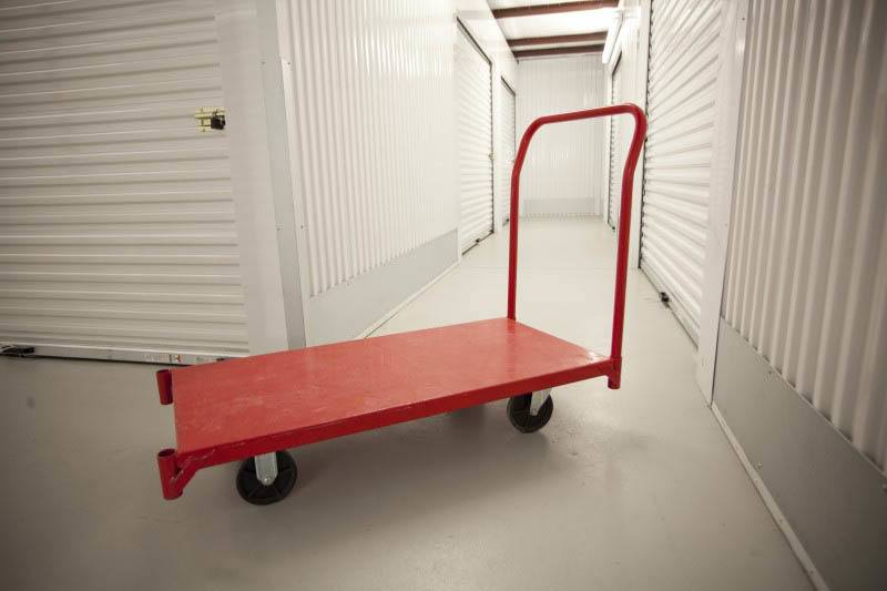 Easy access self storage units