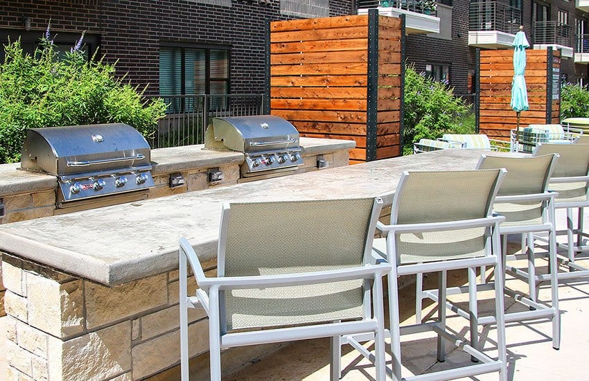 Entertain friends and family with our outdoor grilling stations at Axis 3700 in Plano.