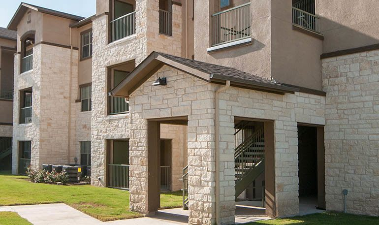 Exterior view of apartments in Buda, TX