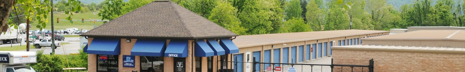 Self storage units in Roanoke