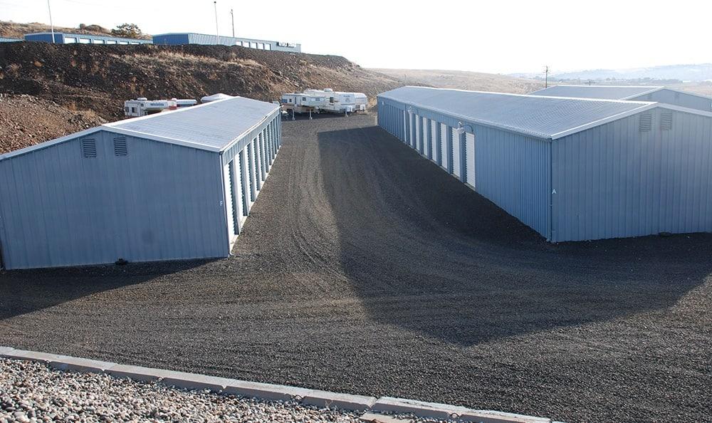 Many elf storage units in Pendleton