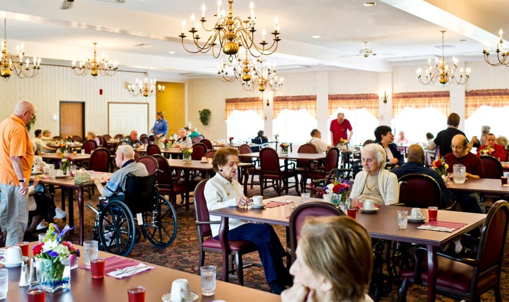 Large Dining Hall At Senior Living In Livonia, MI
