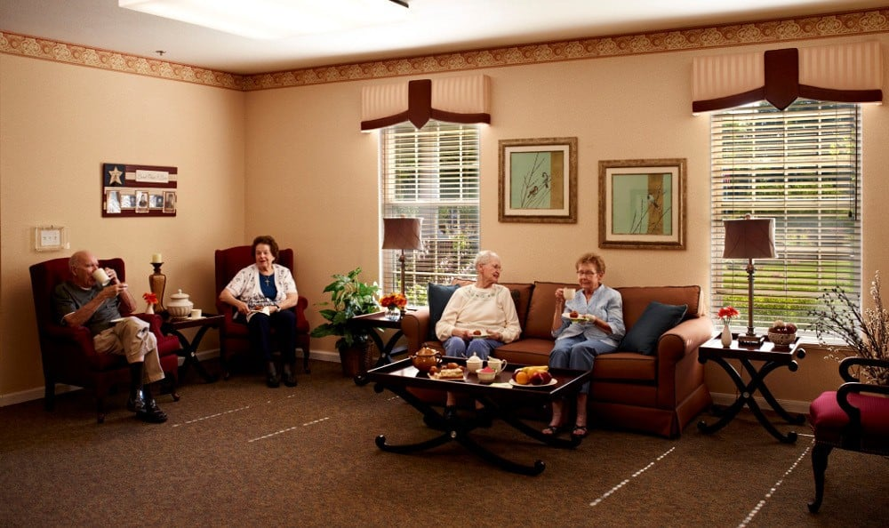 Relax With Friends At Senior Living In Riverview, MI