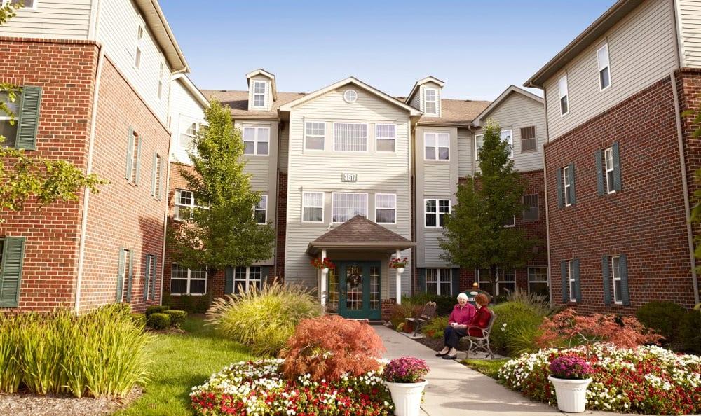 Exterior Of Senior Living In Rochester Hills, MI