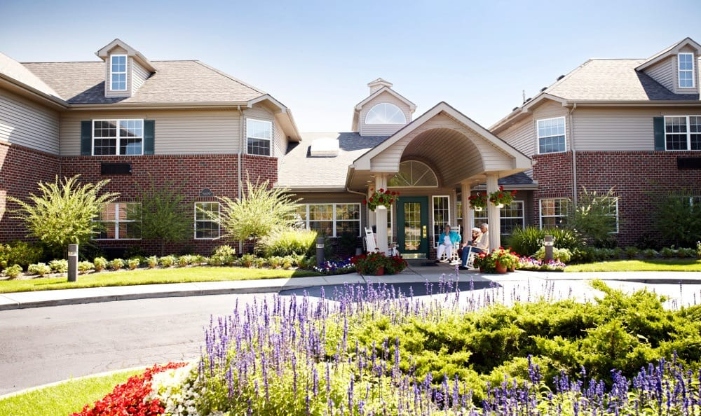 Exterior Of Senior Living In W Bloomfield, MI