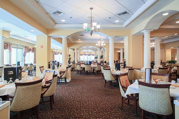 Enjoy an elegant dining experience at Aston Gardens At Parkland Commons