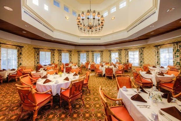 Enjoy meals with friends and family at Aston Gardens At Tampa Bay