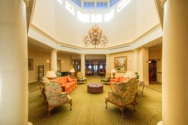 Elegant senior living facility in Tampa!