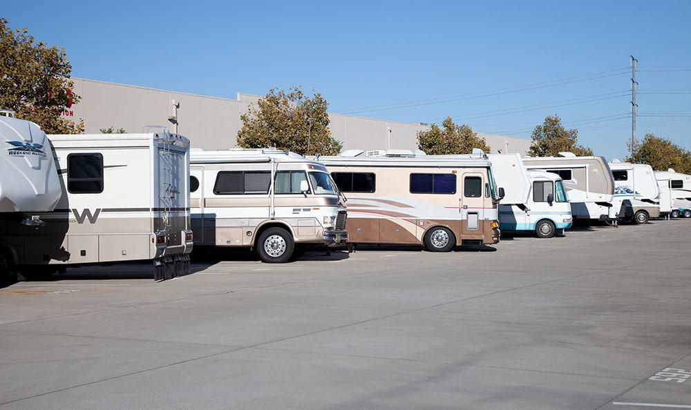 Self storage units in CA