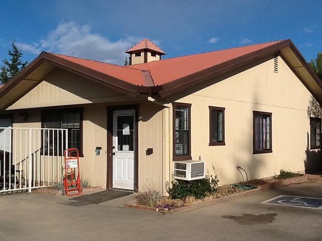 Clean exterior office for the self storage facility located in Kelseyville