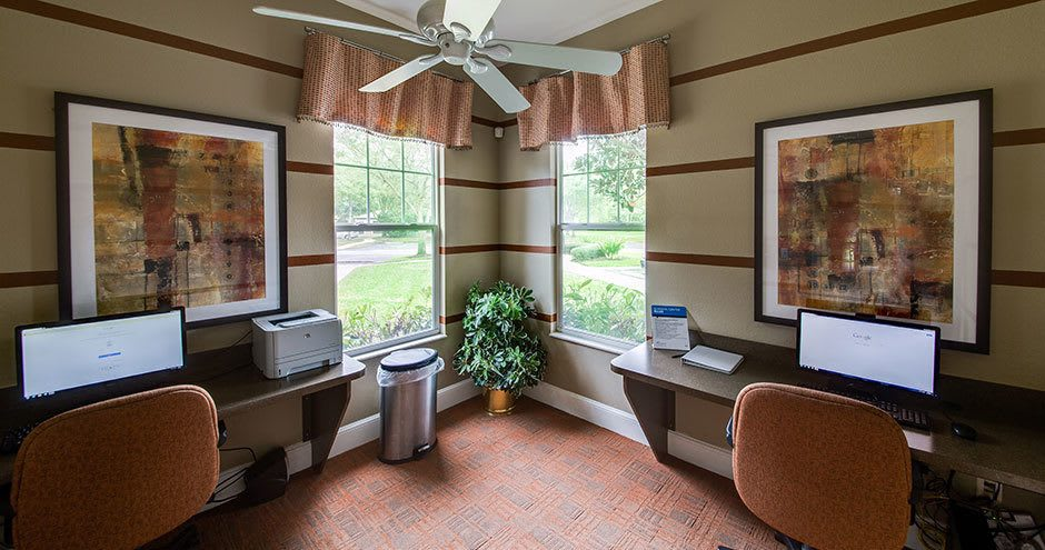 Business center at Stonecastle Apartments in Winter Park, FL