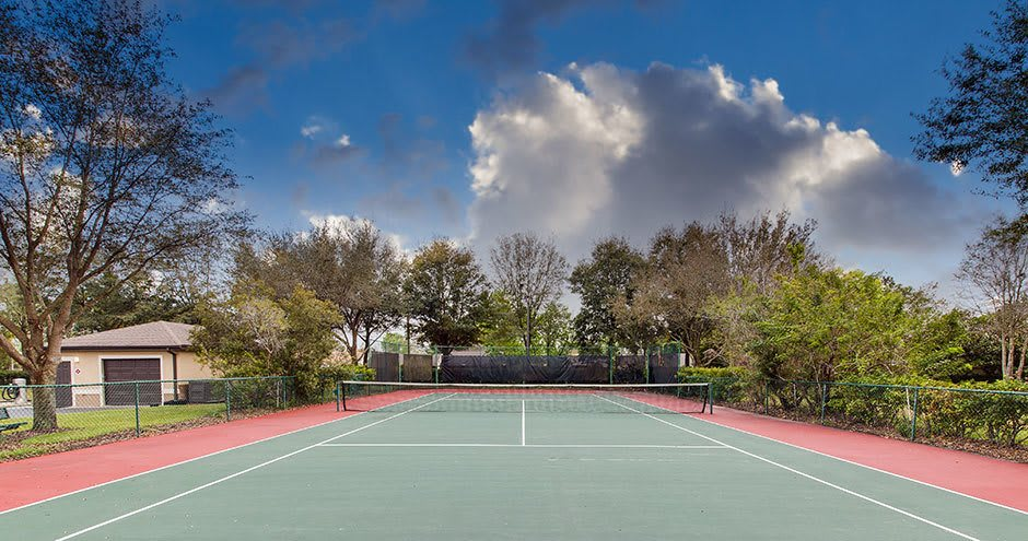 Tennis court at Stonecastle Apartments in Winter Park, FL